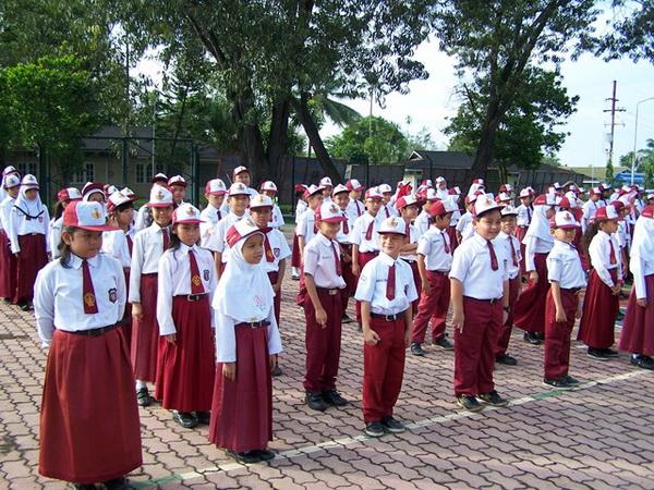 Event Klien Kami » pelaksanaan upacara oleh anak sd 2 • Pabrik ...